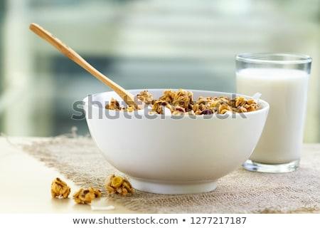 Kahvaltı zaman tahıl süt kadın tablo Stok fotoğraf © jayfish