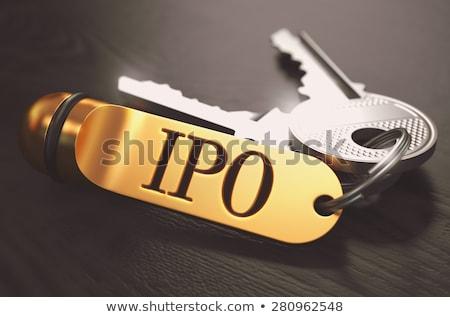 Foto stock: Dinheiro · teclas · dourado · preto · mesa · de · madeira