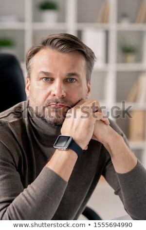 深刻 成熟した男 右 手首 座って 職場 ストックフォト © pressmaster