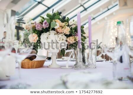 Tabela decorado velas branco rosas casamento Foto stock © gsermek