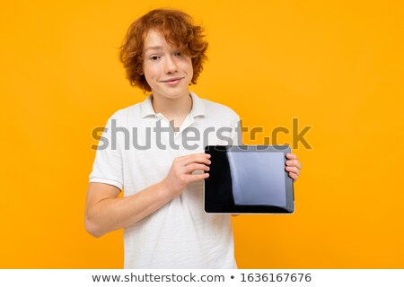 glimlachend · jongen · tonen · scherm · home - stockfoto © grafvision