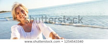 feliz · sorrindo · caminhada · belo · praia · branco - foto stock © luissantos84