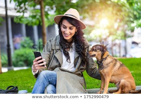 позируют мобильного телефона Cartoon изолированный Сток-фото © maia3000
