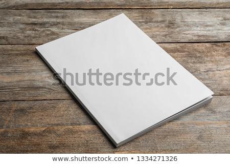 雑誌 カバー 白 木製のテーブル ピンク ストックフォト © manera