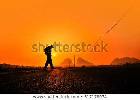 小さな バックパッカー 男 徒歩 砂漠 白人 ストックフォト © nito