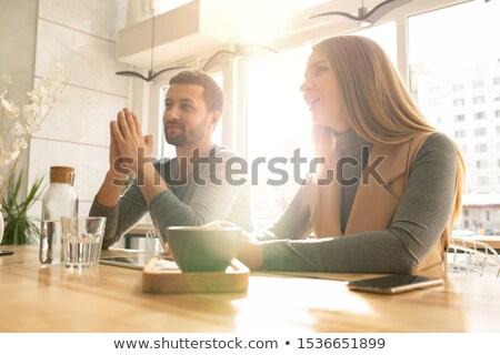 üzleti · megbeszélés · kávézó · derűs · több · nemzetiségű · üzletemberek · megbeszél - stock fotó © pressmaster