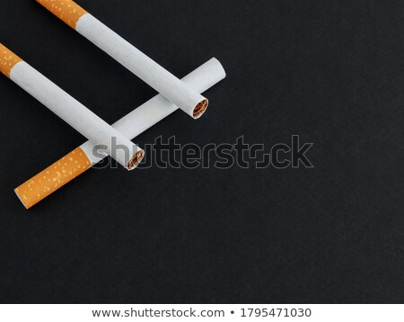 üç sigara filtre yalıtılmış beyaz stüdyo Stok fotoğraf © boroda