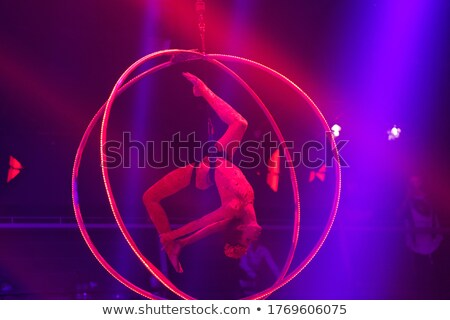 Belo jovem flexível menina dança boate Foto stock © Nejron