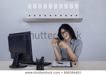 indiano · empresária · telefone · escritório · ao · ar · livre · fachada - foto stock © kzenon