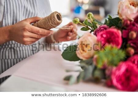 Mooie brunette vrouw bos bloemen Stockfoto © majdansky