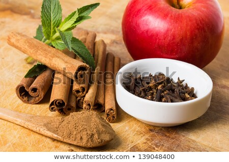 Vermelho maçãs canela secas três Foto stock © Digifoodstock