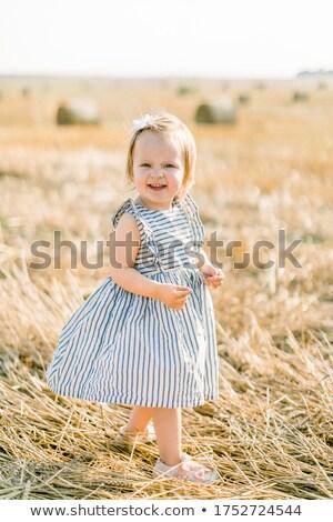 Menina menino em pé feno fardo natureza Foto stock © IS2