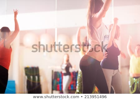 fitness · danza · clase · mujeres · baile · feliz - foto stock © monkey_business
