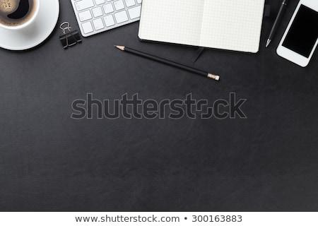 oficina · cuero · escritorio · pc · taza · de · café - foto stock © karandaev