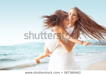 Moeder kind strand water meisje zand Stockfoto © photography33