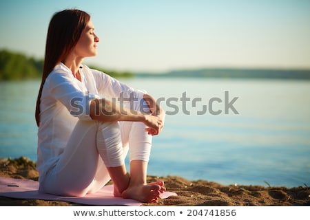 Stock foto: Anziehend · Brünette · Dame · posiert · Strand · Mode