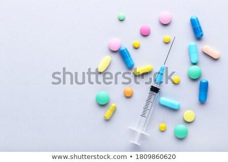 droga · siringa · medicina · pillole · narcotico · legno - foto d'archivio © idesign