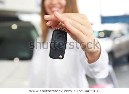 Işadamı araba anahtarları kadın araba oto depolamak Stok fotoğraf © wavebreak_media