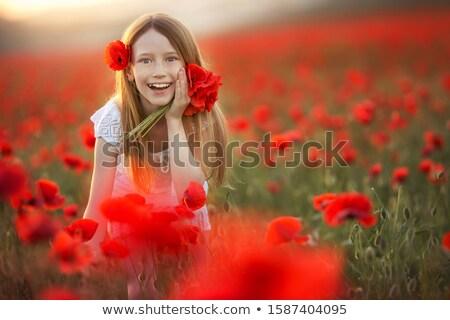 Meisje jaren oude bloemen haren agrarisch Stockfoto © ElenaBatkova