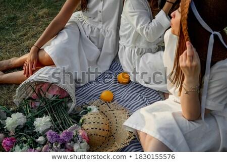 jonge · vrouw · jurk · rond · witte · partij · vrouwen - stockfoto © leonido