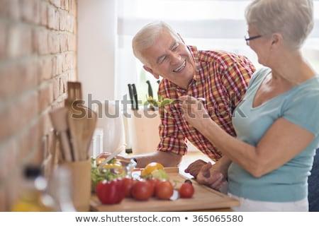 вид сбоку активный старший человека помогают женщину Сток-фото © wavebreak_media