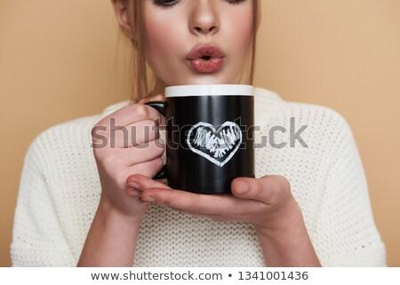 belo · mulher · jovem · bebida · quente · coberto · branco - foto stock © photography33