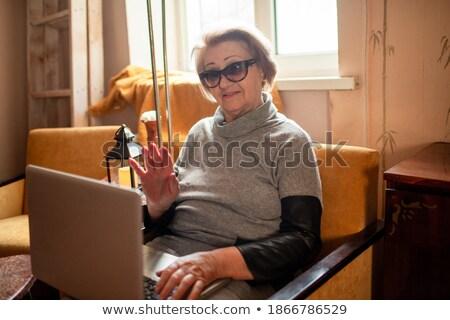 oscuro · mujer · de · negocios · negro · archivo · mujer · sonrisa - foto stock © Forgiss