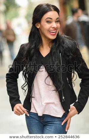Toevallig glimlachend tandheelkundige bretels geïsoleerd Stockfoto © dgilder
