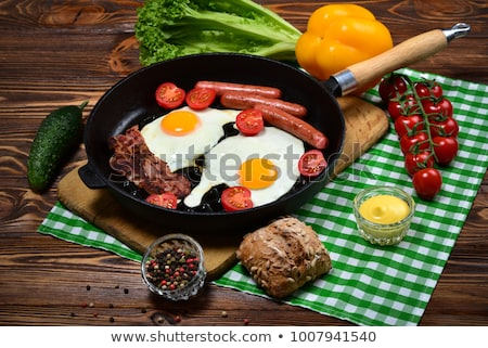 Beyaz fasulye sosis sahanda yumurta salata Stok fotoğraf © Digifoodstock