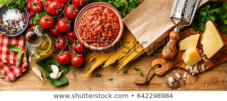 comida · italiana · ingredientes · tiro · clássico · cozinha · italiana · espaguete - foto stock © wdnetstudio