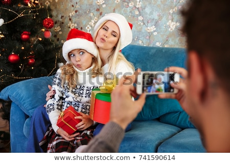 Apa elvesz fotó vicces feleség lánygyermek Stock fotó © deandrobot