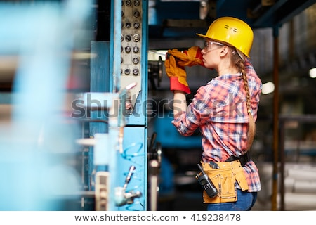 mulher · eletricista · ferramentas · negócio · trabalhar · telefone - foto stock © photography33