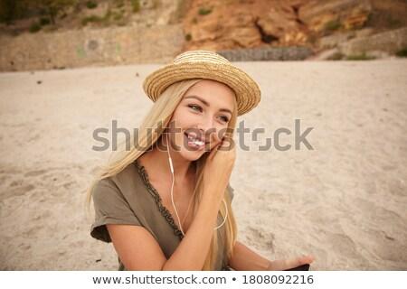 женщину глядя впереди улыбаясь белый Сток-фото © wavebreak_media