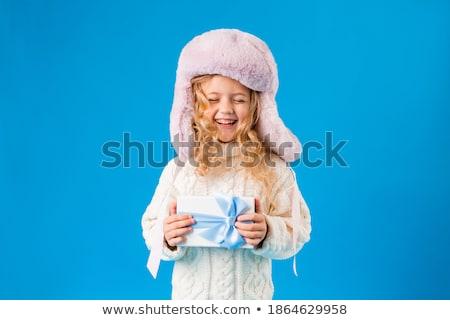 Cute weinig blond meisje groot bed Stockfoto © NeonShot