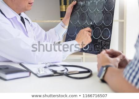 doktor · taramak · hasta · bilgisayar · monitörü · çocuk - stok fotoğraf © snowing