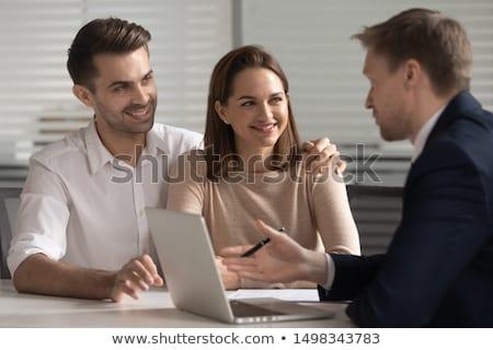 Pár vásárol lakás megbeszél bérlés megállapodás Stock fotó © Kzenon