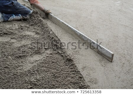 Kőműves térdel felszerlés építkezés munka otthon Stock fotó © photography33
