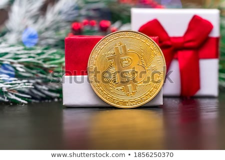 Bitcoin moeda de ouro rede arame cordão Foto stock © grafvision