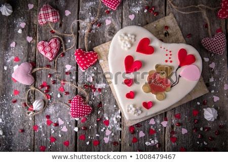 Sevgililer günü kart kalp zencefilli çörek kurabiye tebrik kartı Stok fotoğraf © karandaev