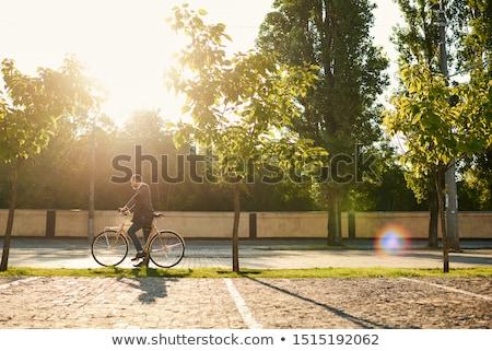 Człowiek okulary jazda konna rower ulicy miasta wygaśnięcia Zdjęcia stock © vlad_star