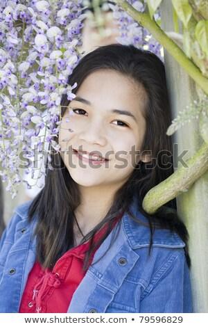 Belle jeune fille permanent vignes jeunes neuf ans Photo stock © jarenwicklund