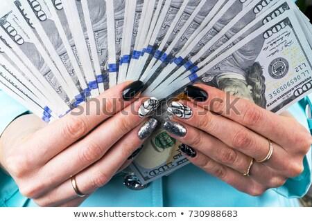 Mujer ofrecimiento uno dólar proyecto de ley hombre Foto stock © stevanovicigor