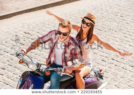 Zdjęcia stock: Dwa · podniecony · młodych · kobiet · okulary · samochodu