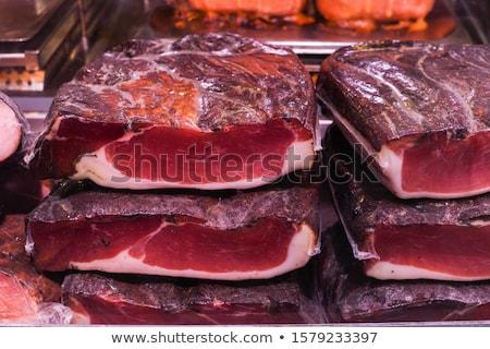 Smakelijk gekruid vers worstjes display Stockfoto © pressmaster