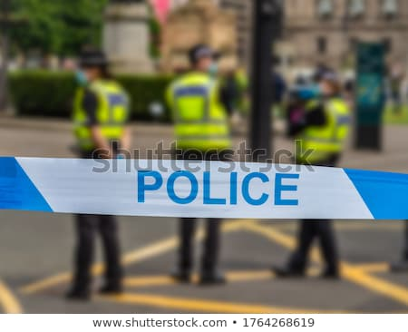 rel · politie · eenheid · wachten · stad · menigte - stockfoto © hunterx