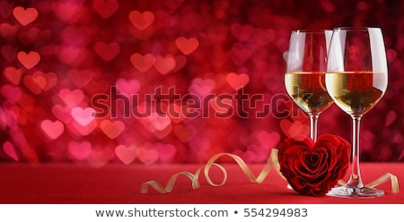 día · de · san · valentín · tarjeta · de · felicitación · rosas · champán · Rose · Red · flores - foto stock © karandaev