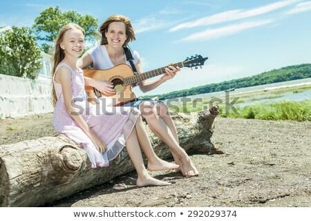 madre · figlia · viaggio · giovani · bella · donna · sorridente - foto d'archivio © lopolo