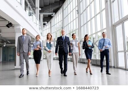 üzletemberek sétál iroda város munka utazás Stock fotó © photography33
