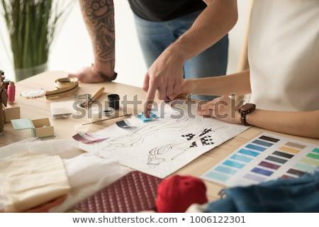 női · divat · designer · dolgozik · stúdió · választ - stock fotó © deandrobot