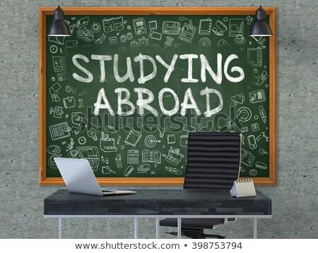 Estudar no exterior escritório quadro-negro verde Foto stock © tashatuvango